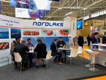 Nordlaks har hatt mye besøk på sin stand under Seafood Expo 2018/China Fisheries. Klikk for større bilde. Foto: Nordlaks.