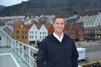 Maskinist Bendik Larsson har vært tre uker om bord på Norwegian Gannet og trives godt på den moderne slaktebåten. Foto: Ole Andreas Drønen.