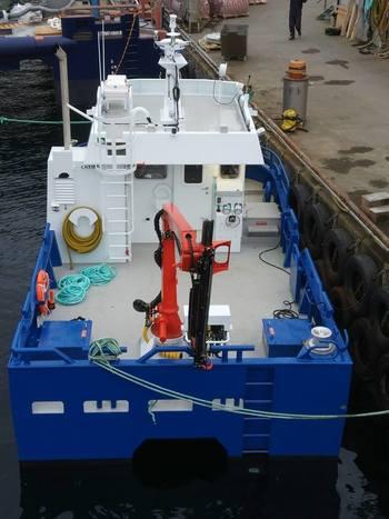 «Dvergen» er en liten oppdrettsbåt, som er 7,96 meter lang og har en bredde på 4,7 meter. Foto: Sletta Verft.
