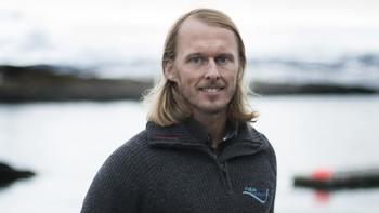 Forsker på rognkjeks som lusespiser: Stipendiat Fredrik Staven. Foto: Svein-Arnt Eriksen.