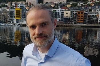 Andreas Morland gründer i Seasmart sier selskapet har somvisjon å ta optimalisering av drift på merdkanten til et helt nytt nivå med deres droneteknologi. Foto: Seasmart.