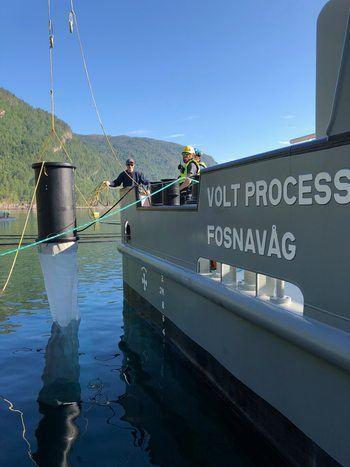 Her blir avlusningsenheten satt på prøve av mannskapet ombord på Volt Process. Foto: Privat.