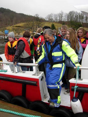Eldsjela Åsta Haugarvoll er primusmotor bak Hardanger Akvasenter. Ho vart tildelt årets aqKva-pris for arbeidet ho har gjort for senteret samt for familiebedrifta Lingalaks, under aqkva-konferansen 2019 i Bergen torsdag kveld. Klikk for større bilete. Foto: Lingalaks.