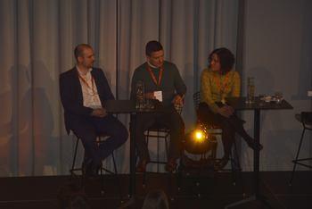 Christoffer Marøy (Eide Fjordbruk), Ole Christian Norvik (Atlantic Sapphire Danmark), og Stine Torheim (Grieg Seafood Finnmark) under paneldebatt på YoungFish-konferansen. Foto: Ole Andreas Drønen