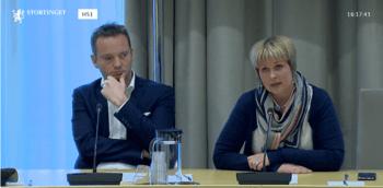 Geir Ove Ystmark er nøgd med tirsdagens vedtak i Stortinget. Her sammen med Aina Valland under et tidligere Stortingsbesøk. FOTO: Stortingets web-tv.