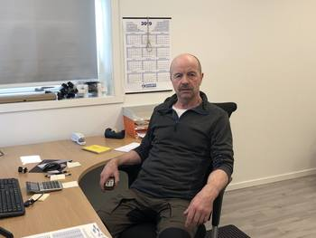 Gunnar Ellingsen har vært daglig leder i Lødingen Fisk i mange år. Han er glad for at erfarne Truls Olsen nå tar over rollen som daglig leder i selskapet. Foto: Privat.