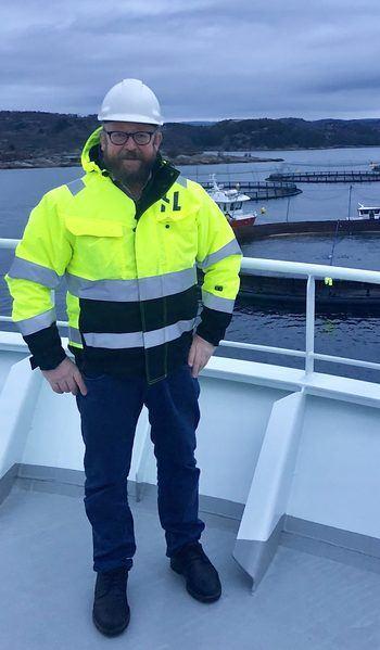 Carl-Erik Arnesen, administrerende direktør i Hav Line er glad for at mannskapet om bord på  «Norwegian Gannet» kunne komme fortvilte oppdrettere i Nord til unnsetning. Foto: Privat.