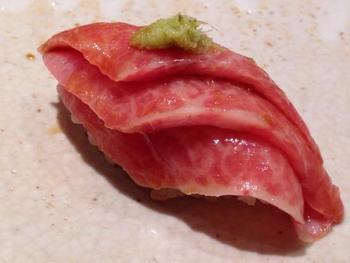 Blåfinnet tunfisk var en av høydarene under besøket hos Sushisho Masa. Foto: Ole Andreas Drønen.