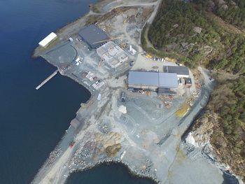 Oversiktsbilde av anlegget til Erko på Stord. Foto: Erko Settefisk.