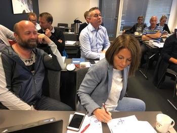 Til sammen 13 selskap er rammet som følge av algeoppblomstringen. Nå ønsker selskapene en god dialog med ordførere i sitt nærområde. FOTO: Geir Ove Ystmark/Sjømat Norge