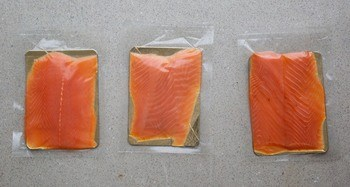 Conventional food wrap coated with chitosan has been shown to extend salmon shelf-life by 40%. Photo: CuanTec.