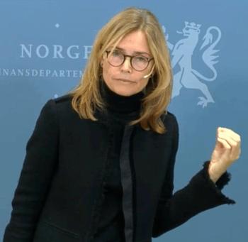 Committee chairperson Karen Helene Ulltveit-Moe introduces the report this morning. Screenshot: Regjeringen.no.