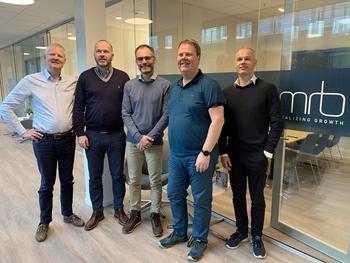 Frå venstre: Jacob Hoseth, Roar Stenersen, Martin Jung Leine, Klaus Hoseth, Gisle Vinjevoll Thrane. Foto: Flowtru