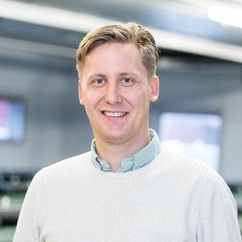 Rudi Ripman Seim er leder av produksjon i Norge og global fiskehelsesjef i Benchmark Genetics.