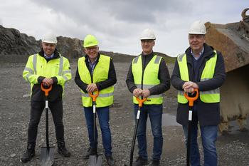 Gründere: Fra venstre Ingjarl Skarvøy, Kristofer Reiten, Jonny Småge, Per Olav Mevold. Foto: Doxacom