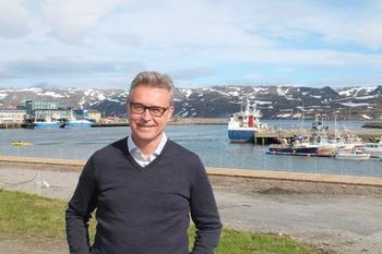 Fiskeri- og sjømatminister Odd Emil Ingebrigtsen sier Nordlaks har tørt å tenke stort med Havfarm-prosjektet. Foto: NFD.