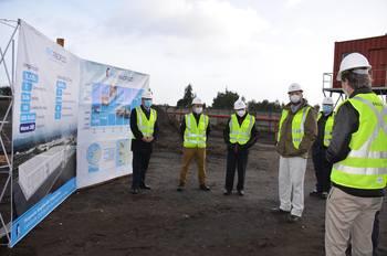 Recorrido de ejecutivos de Friopacífico con autoridades que visitaron inicio de las obras de las nuevas instalaciones. Foto: Friopacífico.
