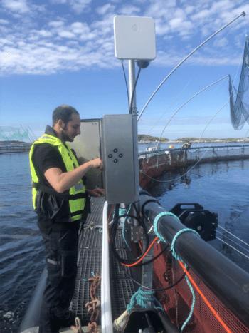 Montering og oppkobling utført av Imenco service personell hos Salmar.  Foto: Imenco