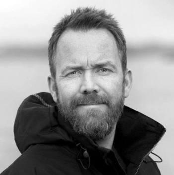Magnus Stendal i FiiZK mener erfaring med stordrift og lukkede merder på en hel lokalitet vil være viktig for havbruksnæringen. Foto: Fiizk