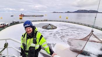 Lokalitetsleder på Otervika, Rolf Skjærvø (SinkabergHansen), er meget fornøyd med at Atlantis nå er full av fisk. Foto: SinkabergHansen/Tom Lysø