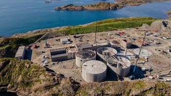 A photo from June showing one tank completed and three others in advanced stages. Salmon Evolution plans to stock its first smolts in March. Click on image to enlarge. Photo: Salmon Evolution.