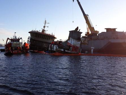 The Seikongen took nine hours to be re-floated with the help of a crane. Photo: Maritime Governance of Castro.