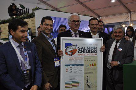 Varios actores se sumaron a celebrar la iniciativa impulsada por Cargill, Salmonexpert y PEM Salmón Sustentable. Imagen: Salmonexpert.