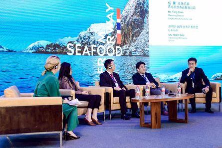Panel diskusjon med kinesiske sjømatselskaper. Foto: Norges Sjømatråd.