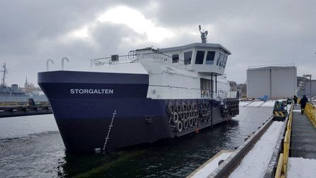 Flåten blir levert med opsjoner på ensilasjeanlegg med grovkvern og Amco Veba V813-kran fra Truck Tek AS. Baugen blir overbygd med et isolert «shelter-dekk». Foto: AKVA group.