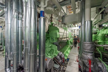 I maskinrommet finner man blant annet 2 x 4640 kw motorer fra Wärtsilla Foto: Olav Thokle/Fotomaritim