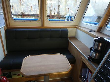 Salongen om bord «Dvergen». Foto: Sletta Verft.
