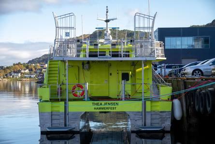 Adkomst til sykelugar er primært via en avansert båreheis som er plassert akter. Foto: Maritime Partner