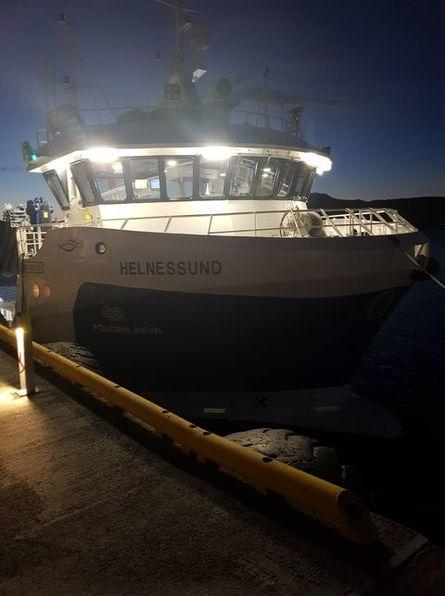 M/S «Helnessund» i høstmørket i Bodø. Foto: Bjørnar Blaalid