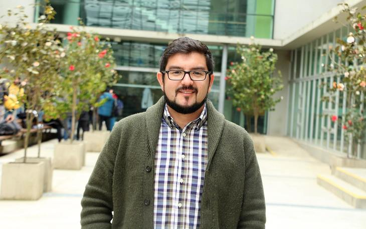 Científicos chilenos trabajan para el control de P. salmonis en la salmonicultura