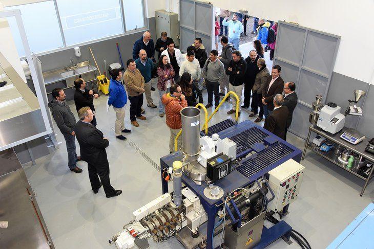 UCT inaugura moderna planta piloto de alimentos para peces