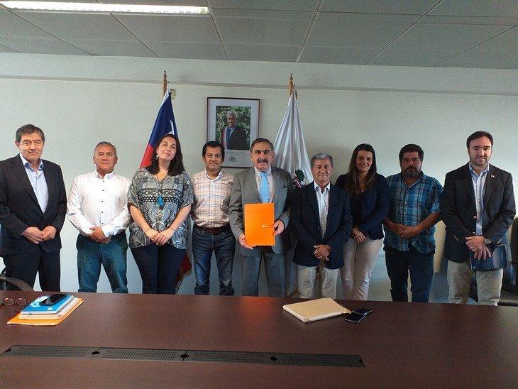 SalmonChile se reúne con nuevo intendente de La Araucanía