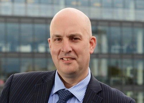 Benchmark avanza en negociaciones para venta de Fish Vet Group
