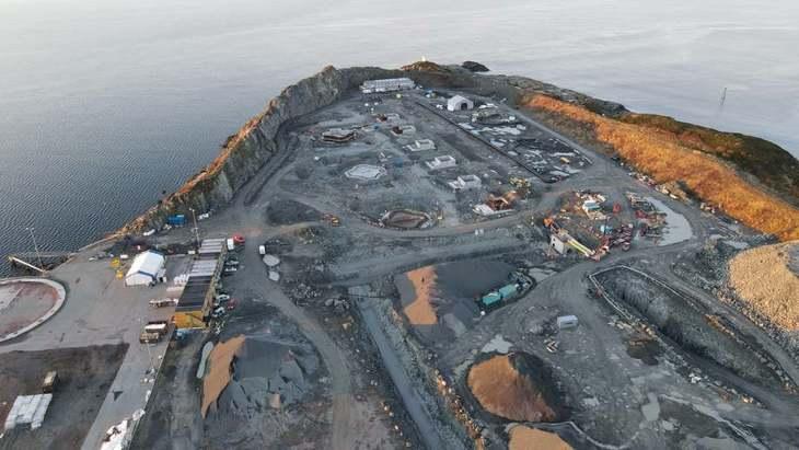 Centro en tierra para 36 mil toneladas de salmón comienza a tomar forma