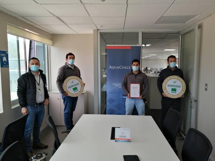 AquaChile es la primera salmonicultora en obtener sello gestión Covid para plantas