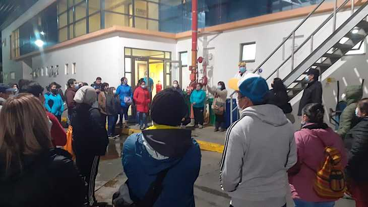 Trabajadores de planta Surproceso en Quellón realizan paralización de brazos caídos