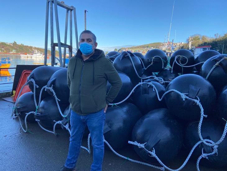 Productores de salmón chileno apoyan reconversión de pescadores artesanales