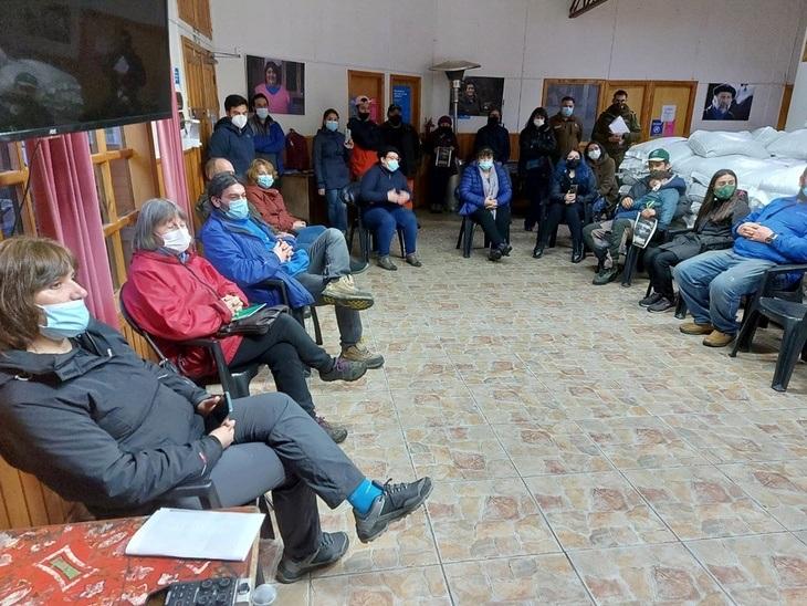 Comunidad de Puyuhuapi exige que balsas jaulas salmonicultoras sean retiradas