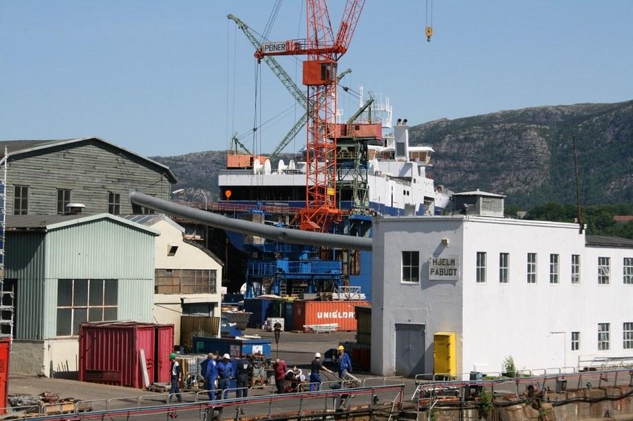 Fartøy i dokk ved verftsanlegget på Laksevåg. Arkivfoto: Asle Strønen