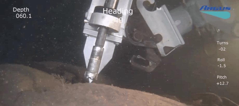 Rederiet Samba har gått til innkjøp av en ny mobil boremaskin som utfører arbeid helt ned på 500 meters dyp, og har nylig vært på sitt første oppdrag for ett oppdrettsselskap i Flekkefjord. Foto: Samba.