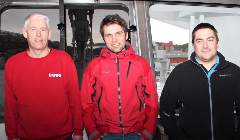 Harald Johannessen (til venstre) og kollegene i Sjøtransport Rotsund AS blir nå en del av NTS-strukturen, som også omfatter serviceselskap og brønnbåttjenester – her representert ved daglig leder Ola Krystad i KB Dykk AS og kvalitetsleder Kjell Hestø (til høyre) i Norsk Fisketransport AS.
