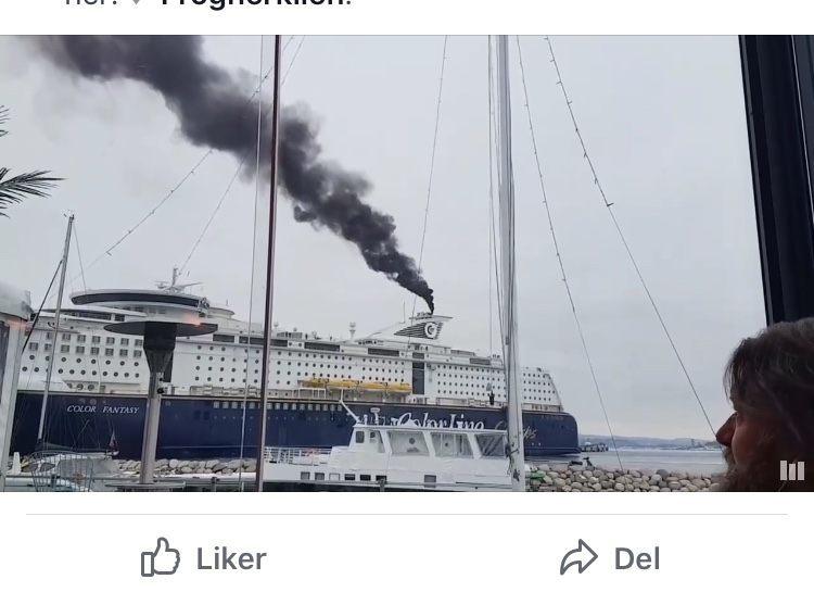 Svart røyk fra Color Line gav kommentarstorm. Skjermdump fra Facebook.