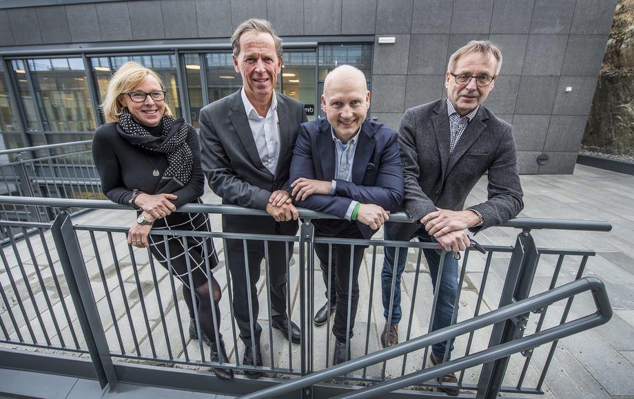 Bedriftsrådgivningsselskapet MRB i Ålesund utvider staben  Fra venstre: Wenche Kjerstad, Ståle Rasmussen, Jan-Inge Sætre og Bjørn Gjerde  Foto: Staale Wattø