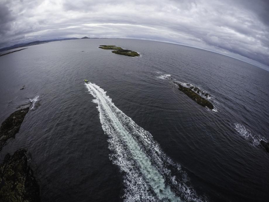 Visningssenteret har nådd milepælen med over 1000 besøkende, men har ambisjoner om å få mye mer folk ut på merdkanten før året er omme. Foto: Bjørøya.