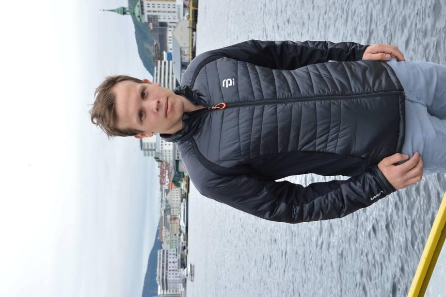 Erlend Eide, teknisk sjef i Eide Fjordbruk. Foto: Therese Soltveit.