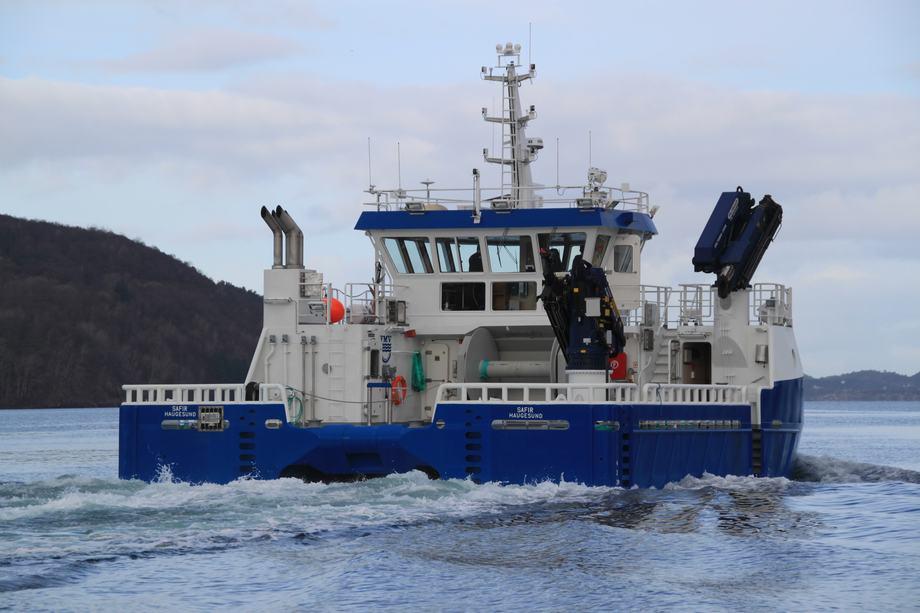 Fartøyet er bnr. 216 fra Fitjar Mek. Verksted AS.